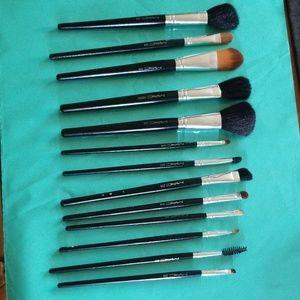 13 Mac Brushes Bundle